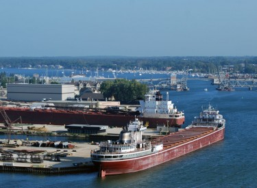 Sturgeon Bay shipping canal
